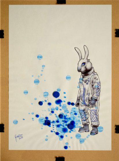 #005 本誌9頁の写真、佇むウサギ星人をクローズアップして描きました。 足元に溜まったブルーを見つめているかのようなカット。 彼には多分感情のようなものはなくて、ただブルーに反応しているだけのある意味虚ろな存在なんじゃないかと想像しています。